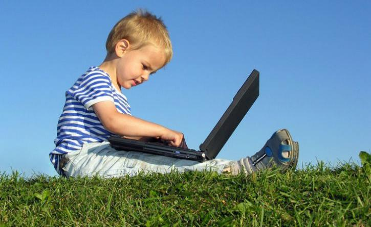 Child: How to avoid Internet addiction!